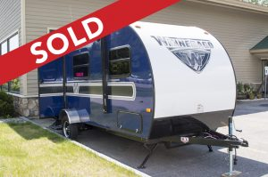 -SOLD! - 2018 Micro Minnie 2106FBS - Blue Image